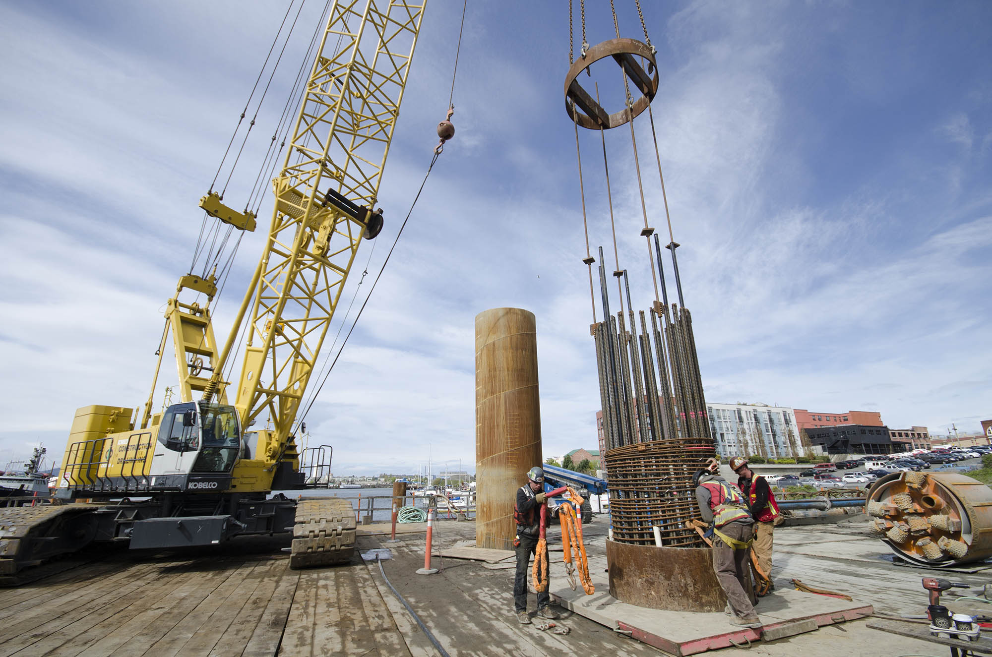 Caisson reinforcing steel placement construction drilling for Caisson maritime
